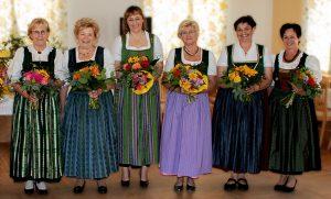 Obfrauenwechsel bei der Mollner Goldhauben- und Kopftuchgruppe